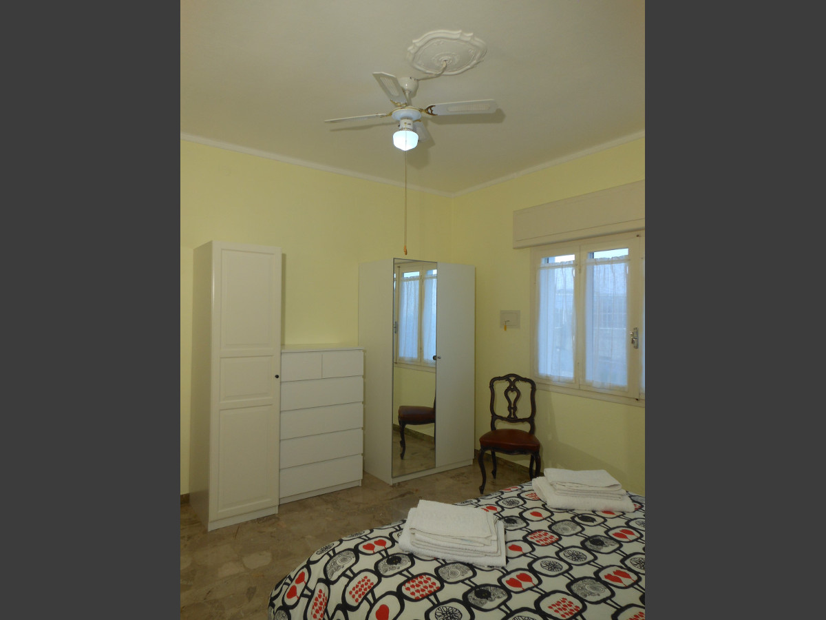 Camera da letto matrimoniale (ventilatore a soffitto) appartamento Ca' Stella