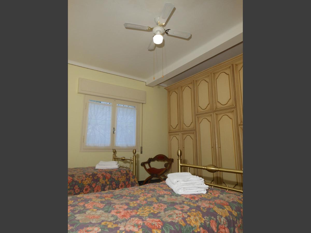Camera da letto doppia (ventilatore a soffitto) appartamento Ca' Stella